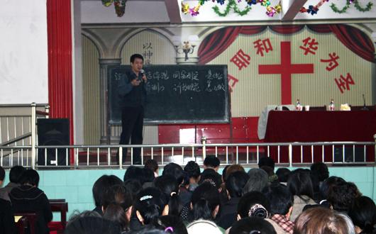 漯河市民族宗教局民族宗教政策法规巡回宣讲团来我县宣讲