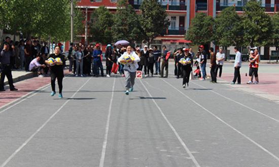 舞阳二高举行春季教职工趣味运动会 中国财经新闻网 www.prcfe.com