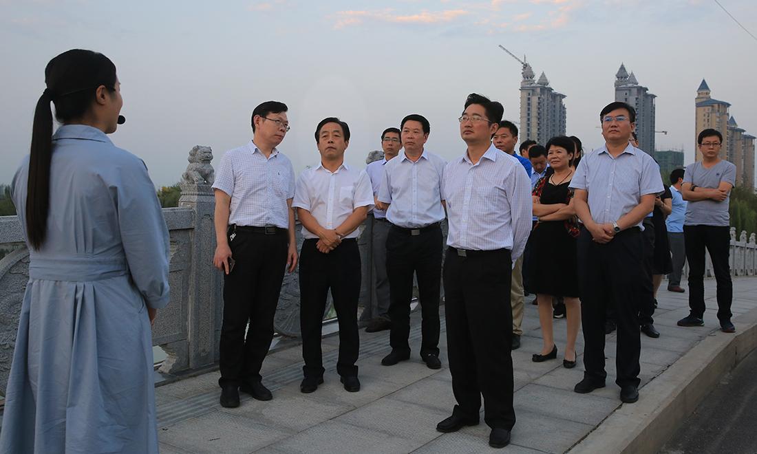 许昌市鹿鸣湖,饮马河连通工程,北海公园景观提升改造工程等实地进行