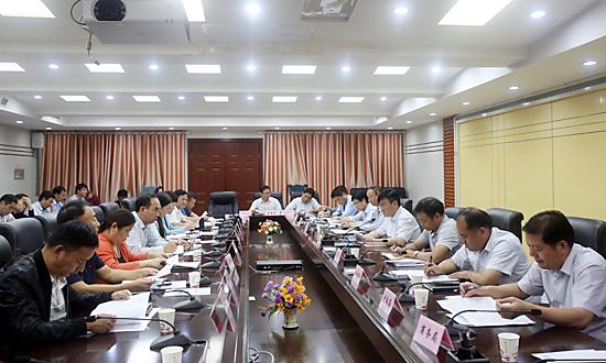 盛阳光主持召开九月份经济运行分析会