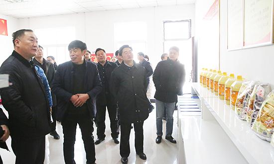 省扶贫办来我县调研脱贫攻坚工作 中国财经新闻网 www.prcfe.com