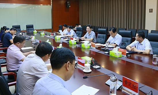 李亦博主持召開縣委審計委員會第一次會議