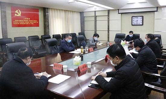 朱暑光主持召開縣委黨建工作座談會